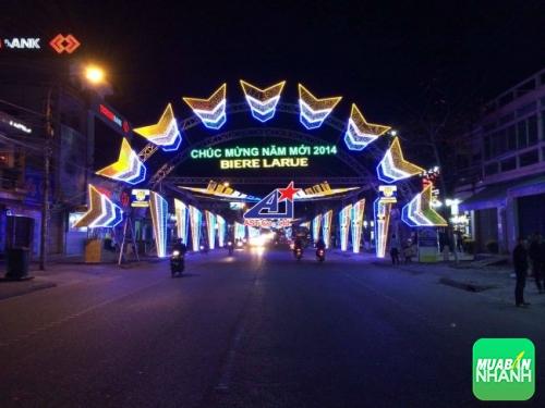 Đèn Led làm cổng chào mừng năm mới