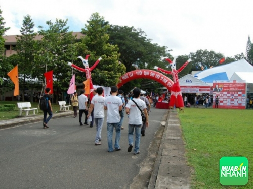 Chương trình sự kiện nơi có sự tham dự của khách hàng và đối tác